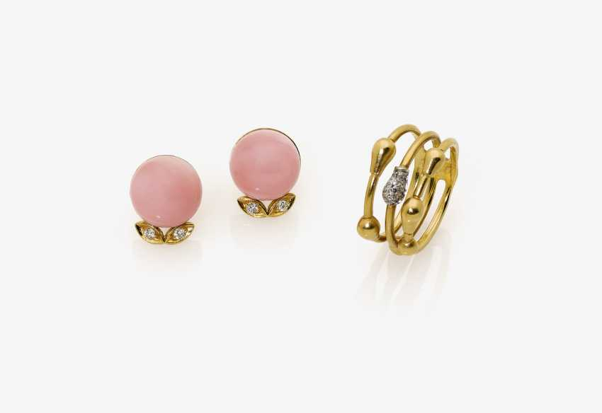 Ring and a Pair of stud earrings with diamonds and angel skin coral - photo 1