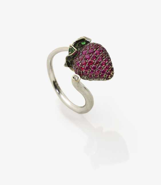 "Designer-Ring with a ""Strawberry theme"" - photo 1"