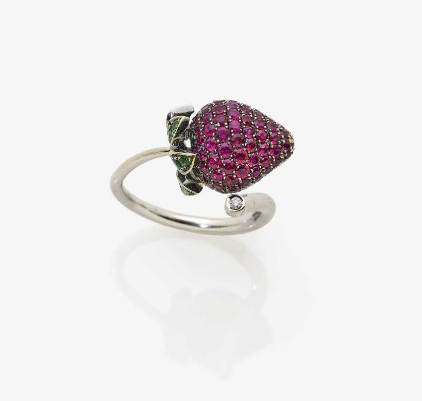 "Designer-Ring with a ""Strawberry theme"" - photo 2"