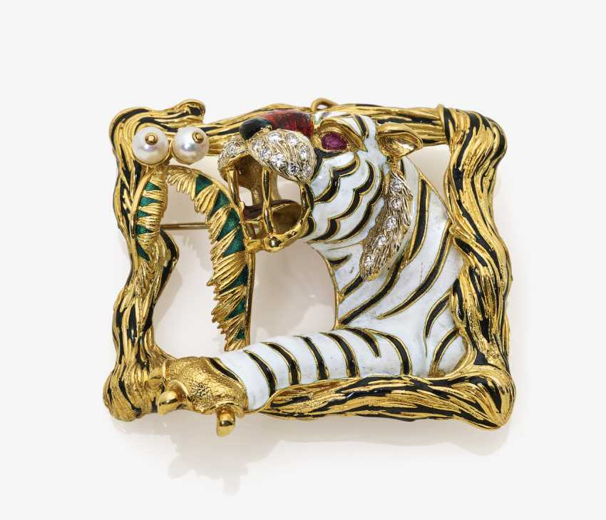 Tiger brooch with diamonds, rubies and pearls - photo 1