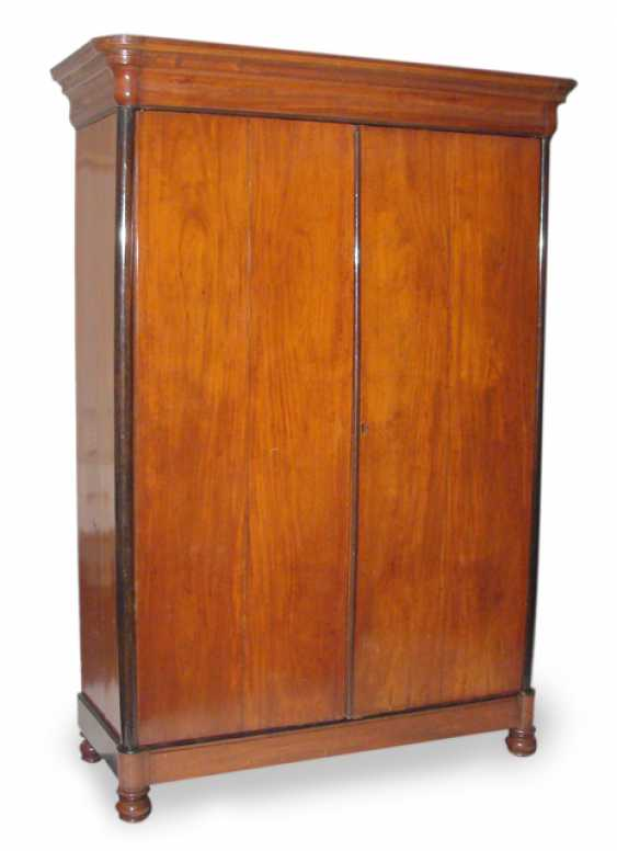 LARGE BUILT-IN WARDROBE, 19. CENTURY - photo 1