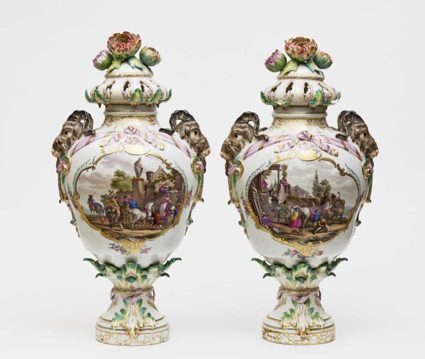 A Few Potpourri Lid Vases - photo 1