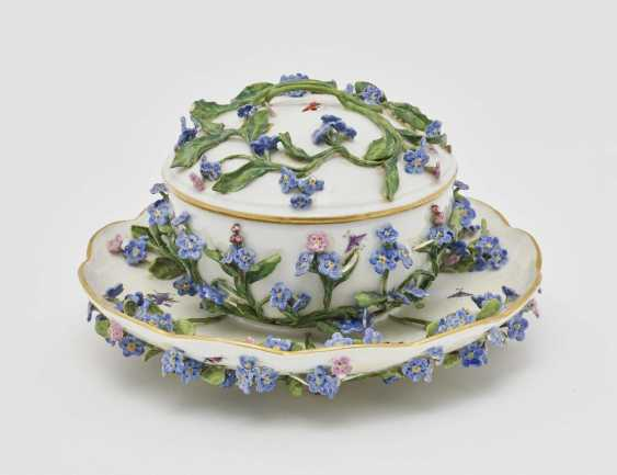 Small tureen with set of - photo 1