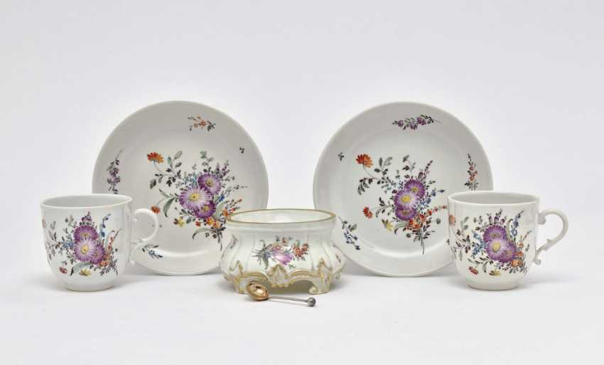 Two cups with saucers and Salière - photo 1