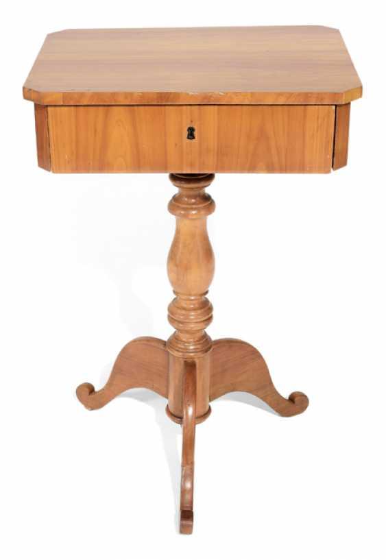 LATE BIEDERMEIER SEWING TABLE, - photo 1