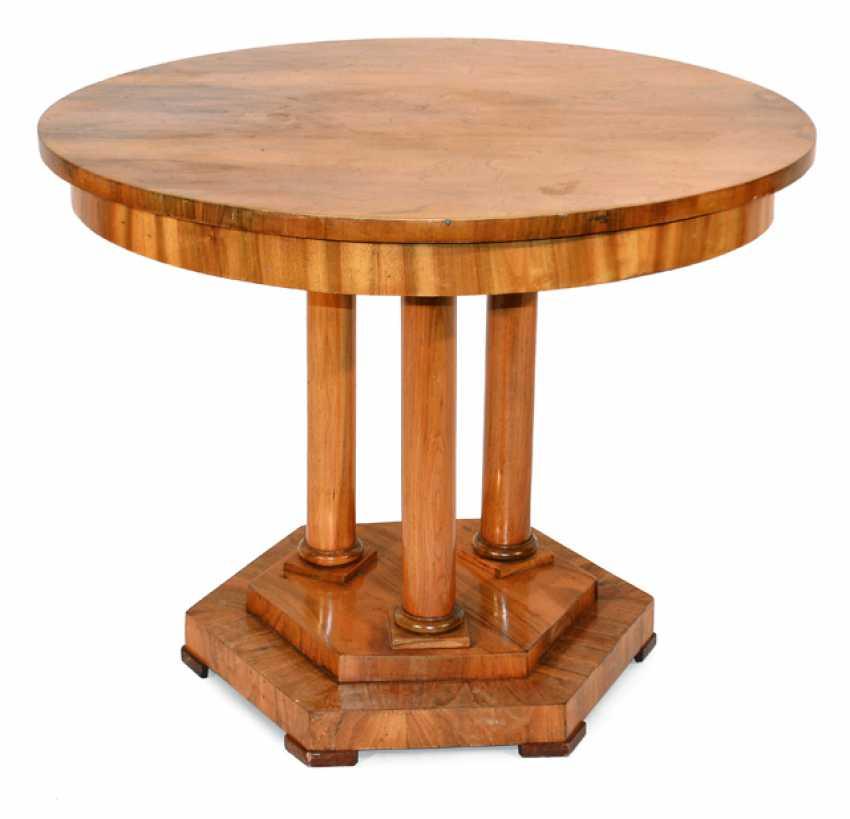 A Biedermeier salon table - photo 1