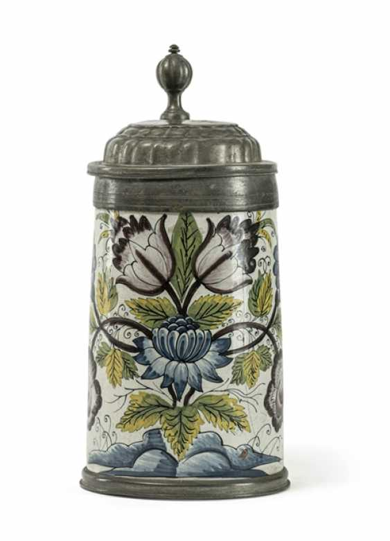 Roller jug with swamp flowers painting - photo 1