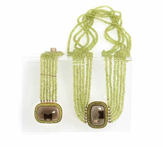 Peridot-necklace and bracelet - photo 1