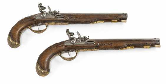 Pair Of Officer's Flintlock Pistols - photo 1