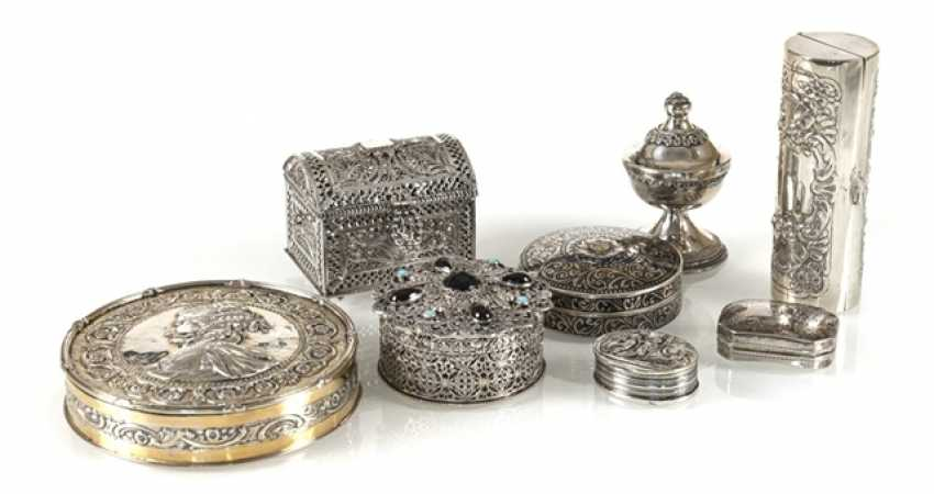 8 Boxes, Mostly Silver, Including - photo 1