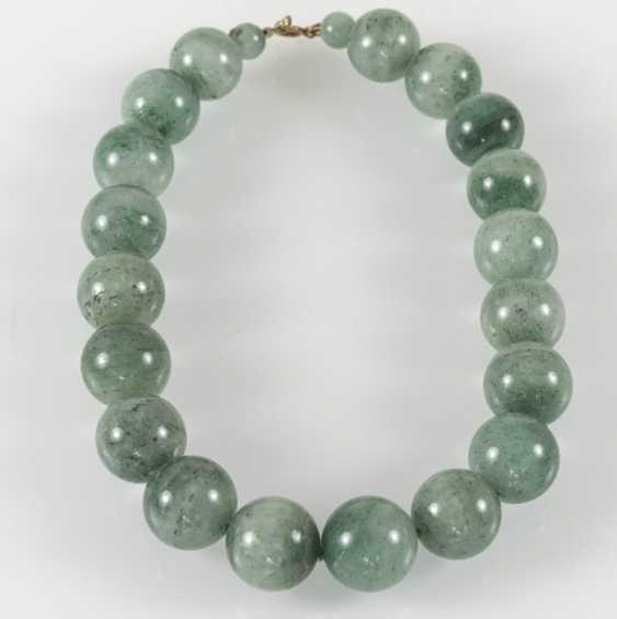 Chalcedony Necklace, 19 Balls - photo 2