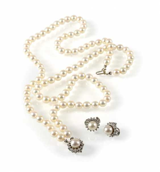 Cultured Pearls Necklace And Earrings, - photo 1