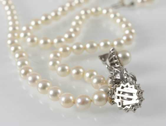 Cultured Pearls Necklace And Earrings, - photo 3