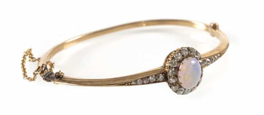 Opal and diamond bangle bracelet, 14Kt Gg, - photo 1