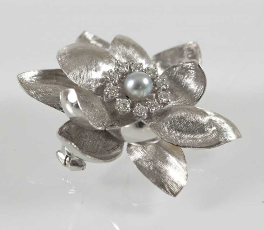 Brooch In Flower Shape, 750 Wg, - photo 2
