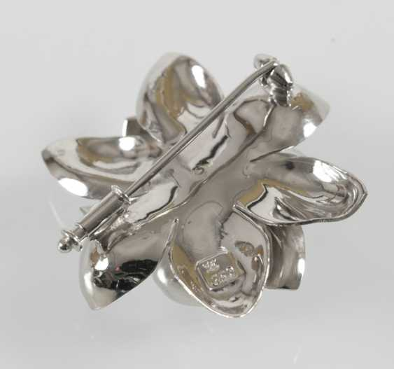 Brooch In Flower Shape, 750 Wg, - photo 3