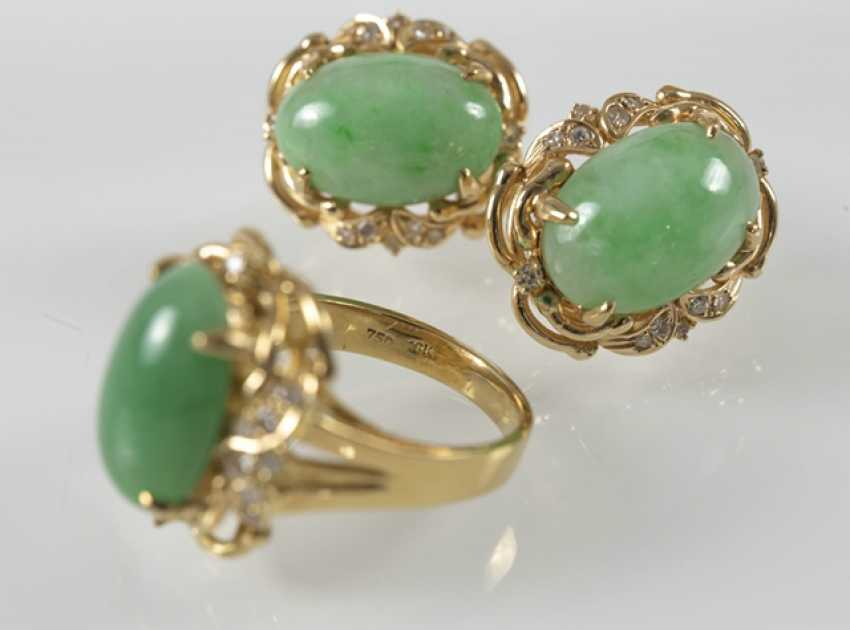 Jade And Diamond Ring And Earrings - photo 2