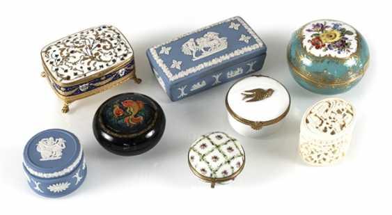 8 Jars, Porcelain/Ivory - photo 1