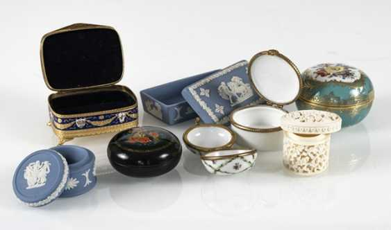 8 Jars, Porcelain/Ivory - photo 3