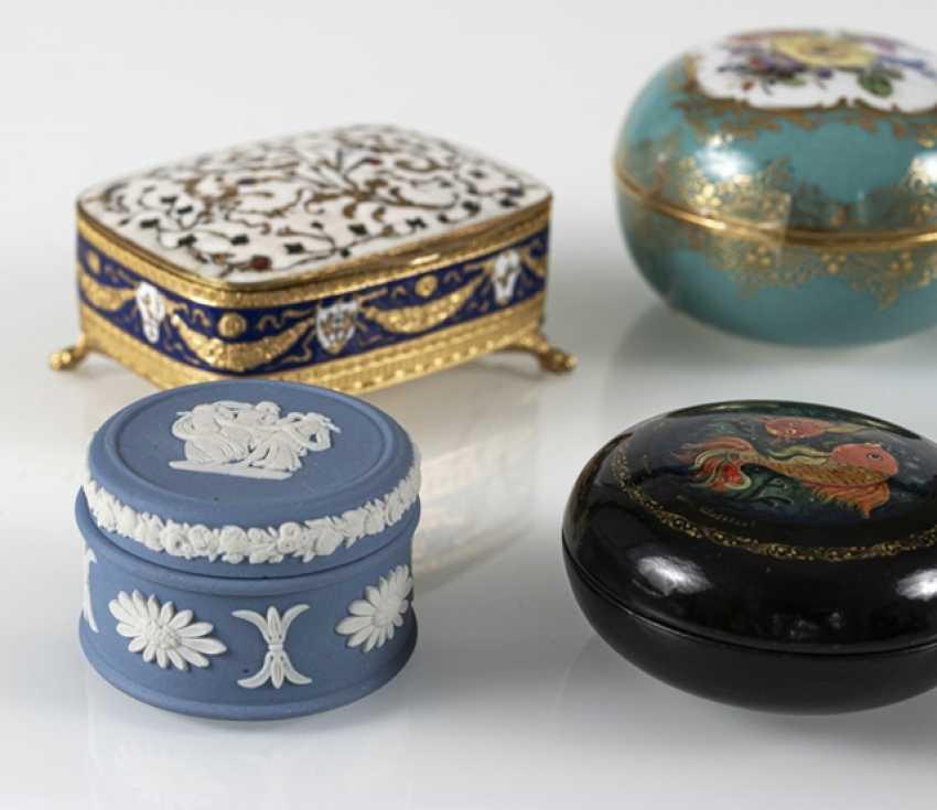 8 Jars, Porcelain/Ivory - photo 5