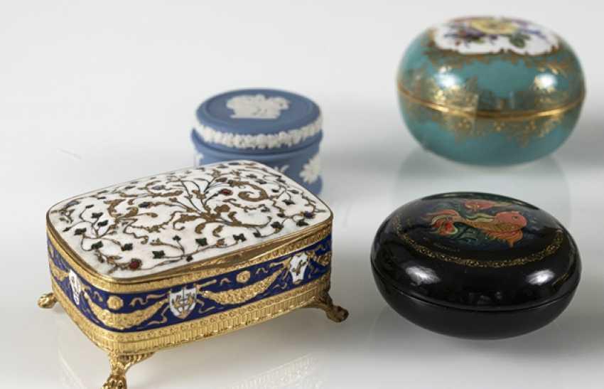 8 Jars, Porcelain/Ivory - photo 6