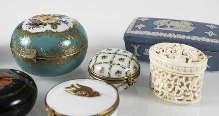 8 Jars, Porcelain/Ivory - photo 7
