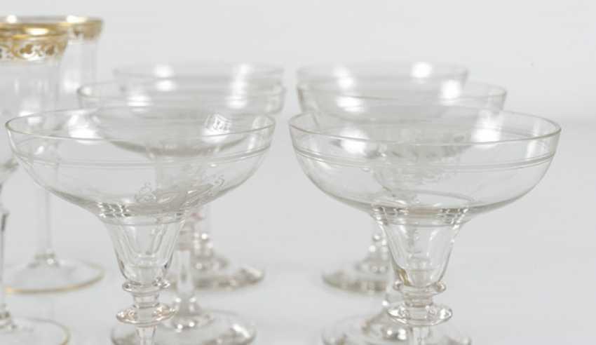 6 Wine Glasses, 6 Champagne - photo 3