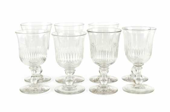 8 wine glasses - photo 1