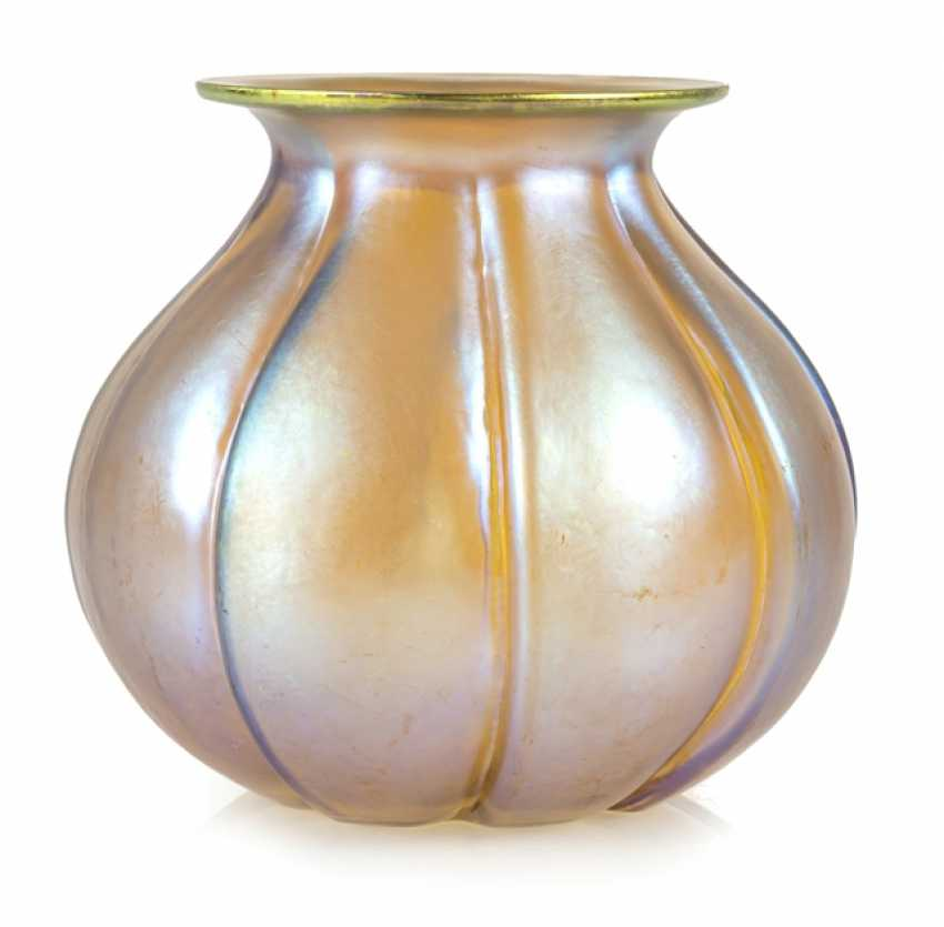 Art Deco Vase - photo 1