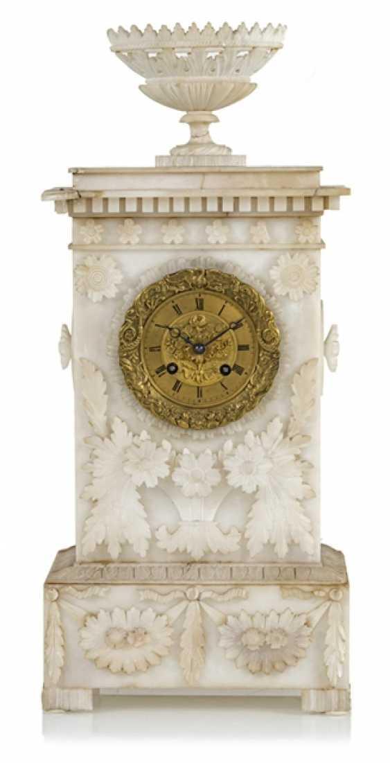 Pendule, Alabaster, 19. Century - photo 1