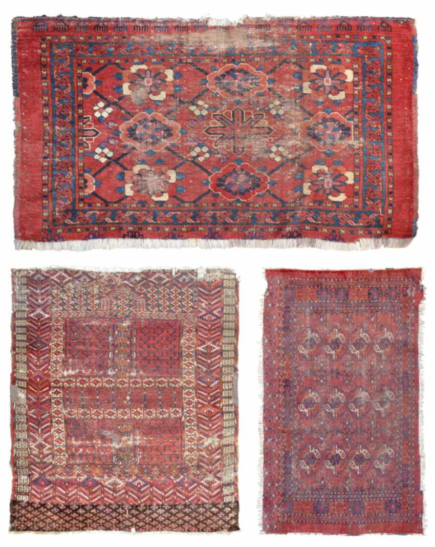 THREE TURKMEN CARPETS - photo 1