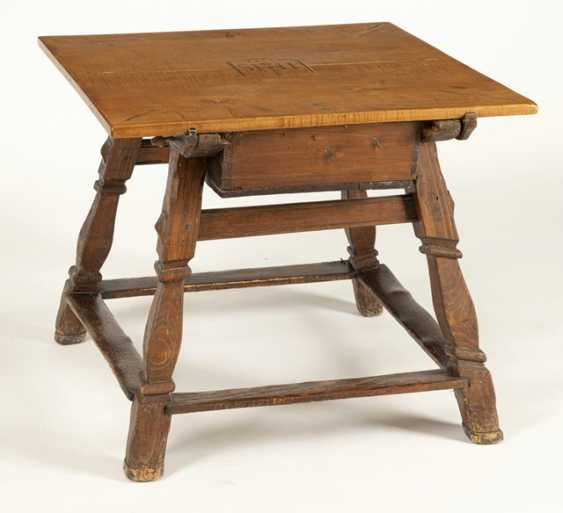 Angled post table - photo 4