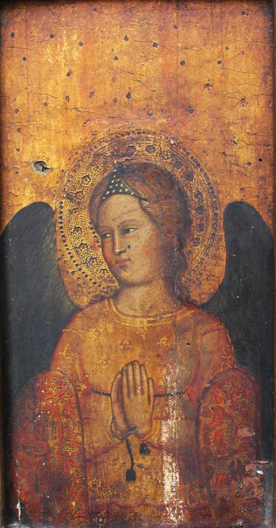 Giovanni Bonsi (active around 1370)-school, Gold-ground panel of a praying angel with halo and dark wings - photo 2