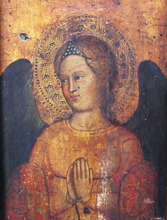 Giovanni Bonsi (active around 1370)-school, Gold-ground panel of a praying angel with halo and dark wings - photo 3