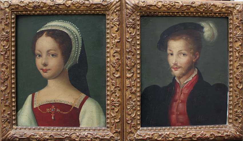 Corneille de Lyon (ca. 1500-1575)-school, Pair of portraits of aristocratic lady and gentleman - photo 1