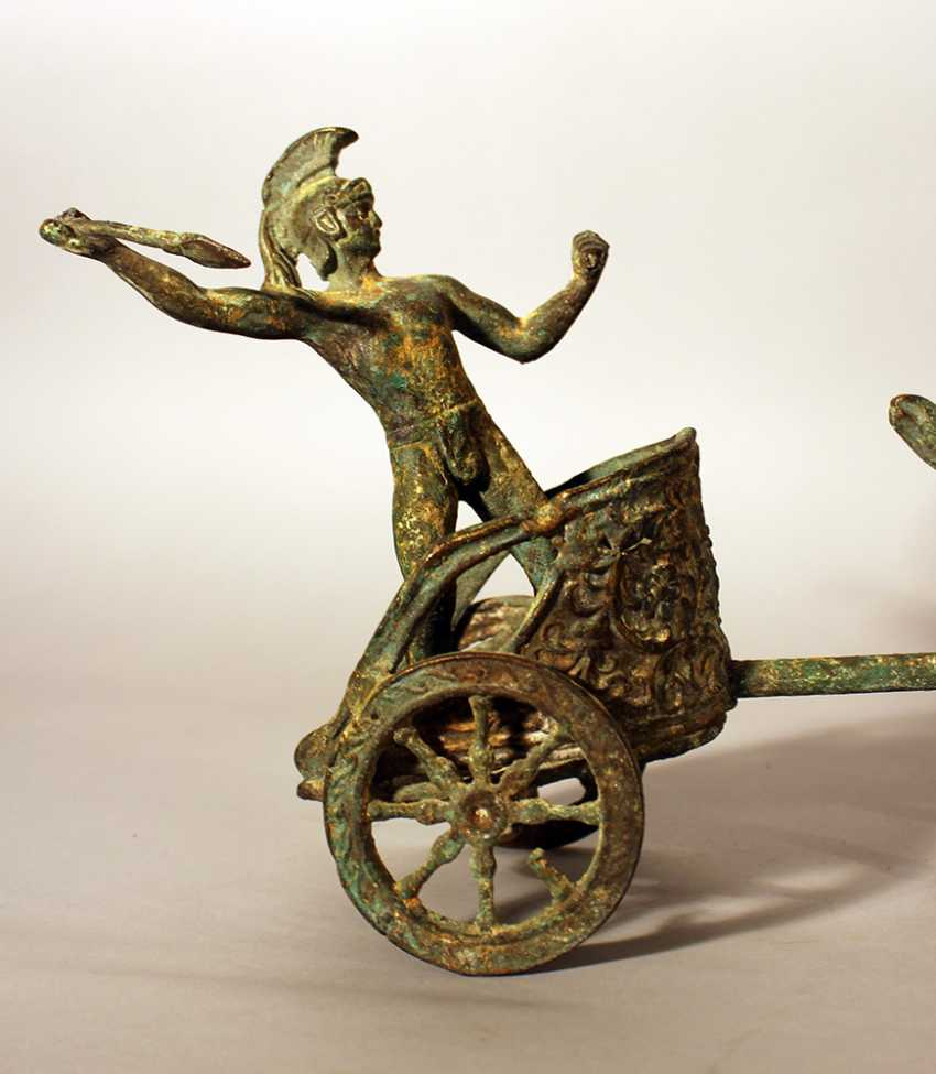 Roman chariot model with two horses and a warrior holding a spear, two wheels and decorations - photo 3