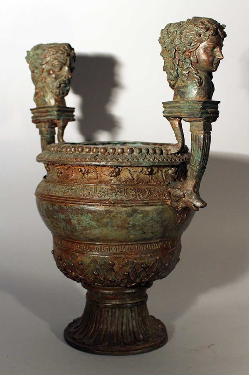 Bronze vessel in ancient style, one shaped column foot with waved round body and wide opening - photo 2