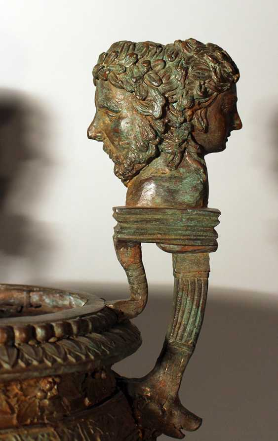 Bronze vessel in ancient style, one shaped column foot with waved round body and wide opening - photo 3