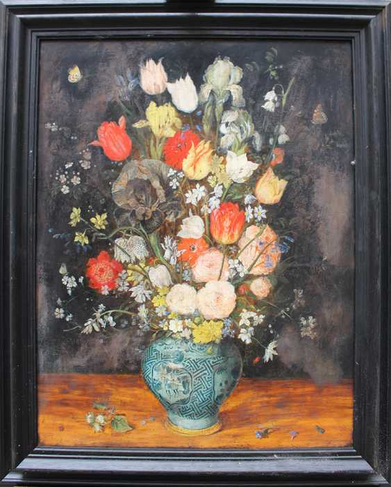 Jan Brueghel the Younger (1601-1678)-school, Large flower still life with insects in a Chinese Wan Li vase on a plinth, in front of black background - photo 1