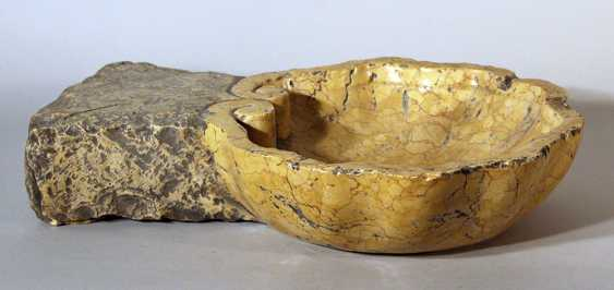 Small Italian stone basin in waved and shaped round form - photo 1