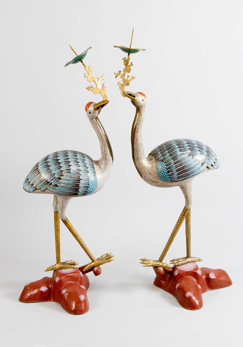 Pair of imperial cranes, on naturalistic bases in shape of tree stunks - photo 1