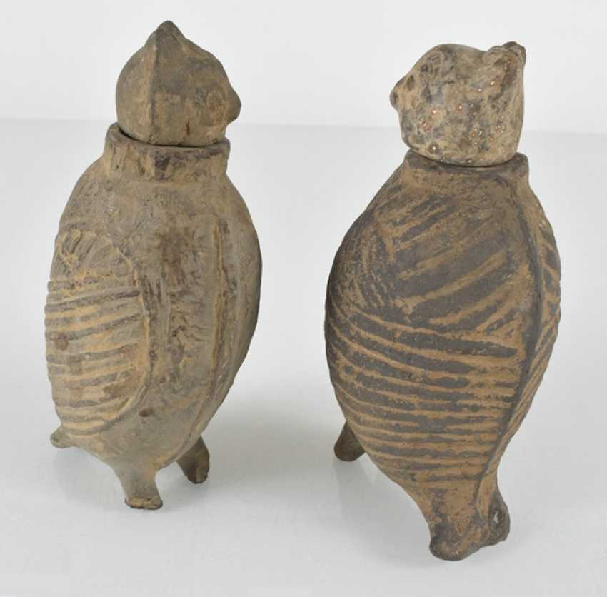 Pair of lidded vessels made of clay in the Form of owls - photo 2