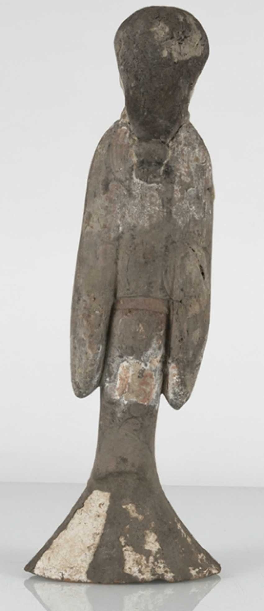 Figure of a standing lady-in-waiting from gray Earthenware with traces of paint - photo 4