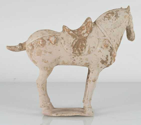 Unglazed pottery model of a standing horse - photo 3
