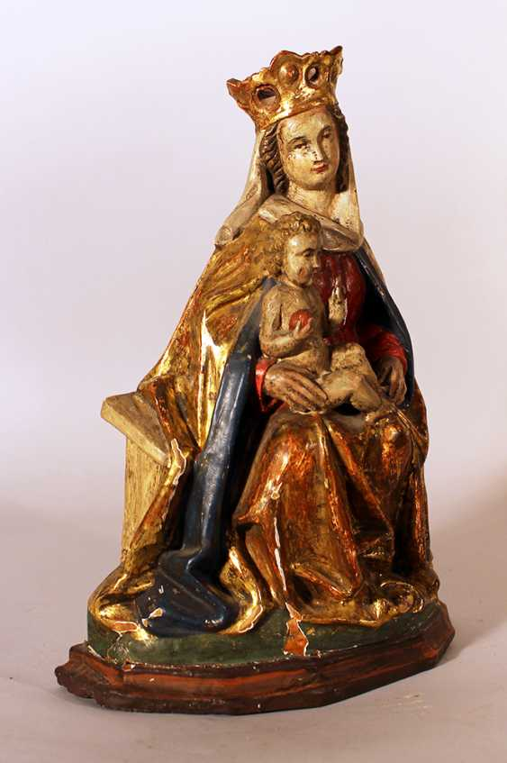 Bohemian Madonna in Gothic manner with Child sitting on an bench, with rich folded cloths and crown - photo 2