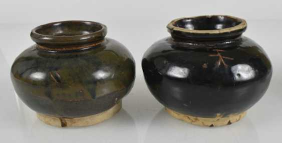Two vases and two pottery vessels with black glaze - photo 2