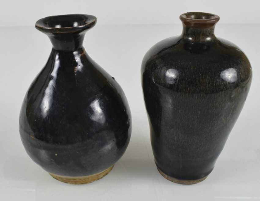 Two vases and two pottery vessels with black glaze - photo 3