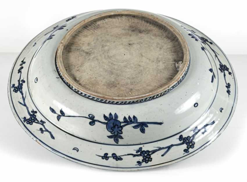 Large under glaze blue Phoenix porcelain bowl - photo 2