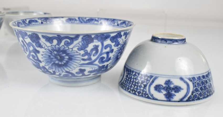 Six porcelain bowls with blue and white decor - photo 3