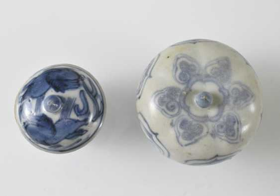 Eight lid cans made of porcelain with a blue-and-white decor - photo 3